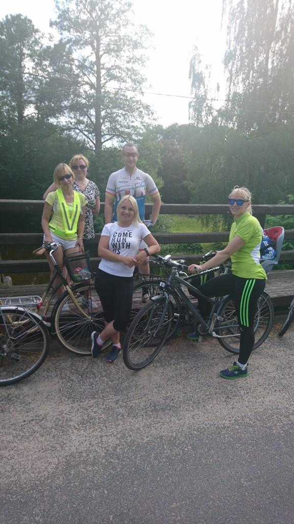 Visuomenės sveikatos biuro organizuojami dviračių pasivažinėjimai. Šauniai praleistas laikas!!! Pratęsime rugsėjo mėn. Gerų atostogų!!!